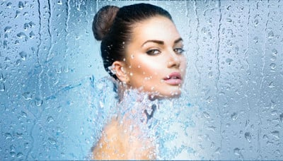 Say Goodbye To All Your Skin Woes This Monsoon!