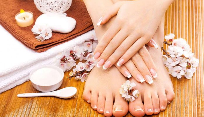 How to get Soft and Smooth Hands and Feet in Winters?